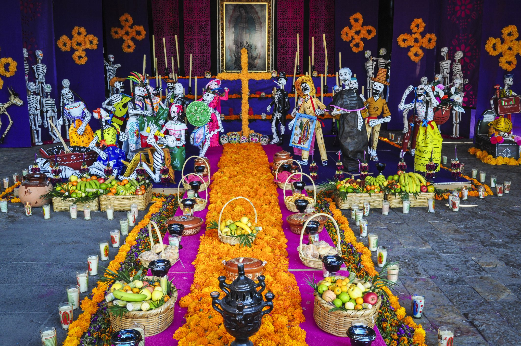 altar-5ad4835aeb97de00370ce4ee